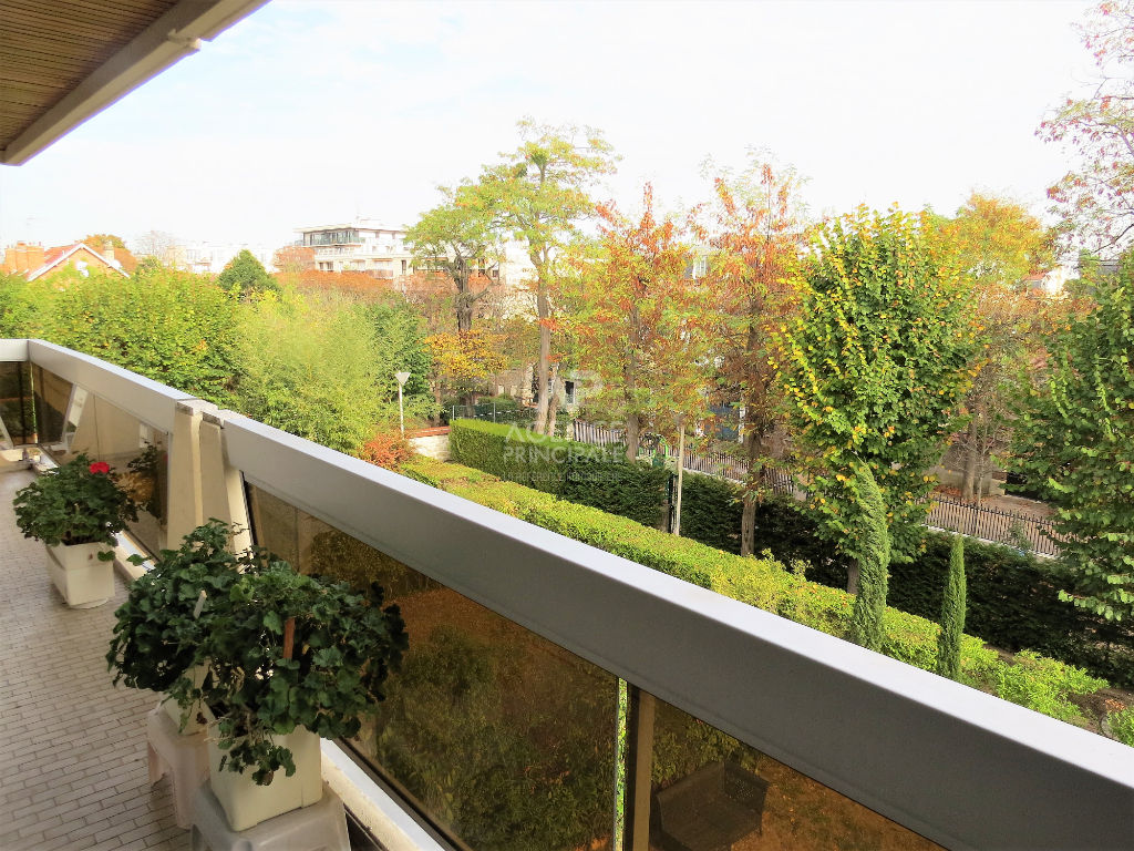 CHATOU BAS  APPARTEMENT 4 PIECES 102.93M²